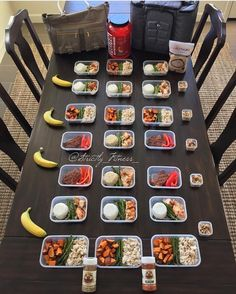 """""""Overnight oats Barbecues and Nuts. What are your meal prep staple among the three? Check out how great @strictly_fitness_ prepped all these! Good job as always!  -------------------------------- Happy Sunday fun day!! Who is meal prepping today???  Meal prep week 180 Breakfast Overnights oats With oats from @myoatmeal Recipe is a couple posts back. Go check out @myoatmeal and use my promo Strictly_Fitness_15 for 15% off All containers & bags are from @6packbags My NEW INNOVATOR 500 bag for…"""