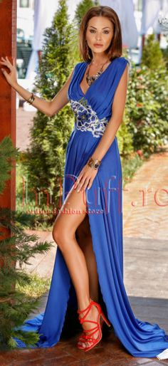 rochii albastre frumoase de seara