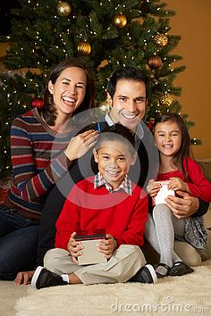 How To Take Photos Of Your Kids In Front The Christmas Tree Scissortail SILK
