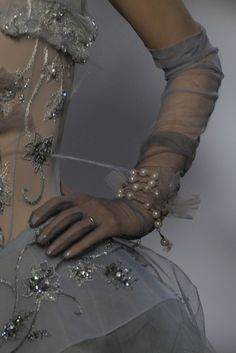 Christian Dior Couture, Couture Details, Fashion Details, Dress Dior, Couture Fashion, Fashion Show, Collection Couture, Touch Of Gray, 50 Shades Of Grey