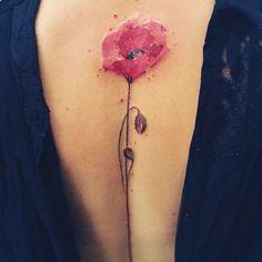 tatouage fleur 10 id es de tattoo originales et leur signification tatouage fleur id es de. Black Bedroom Furniture Sets. Home Design Ideas