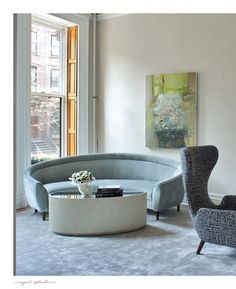 Elegant Curved Sofa Design and Pictures 13 Spacious Living Room, Living Room Sofa, Living Room Decor, Sofa Design, Curved Couch, Interior Design Boards, Sofa Furniture, Modern Furniture, Wingback Chair