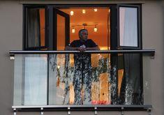 juliette balcony doors - modern touch love it Glass Juliet Balcony, Juliette Balcony, Glass Balcony, Balcony Doors, Balcony Railing, Glass Railing, Attic Apartment, Attic Rooms, Attic Bathroom
