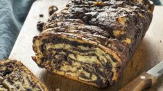 This Mothers Ultimate Chocolate Babka The Nosher is a best for our dinner made with awesome ingredients! Chocolate Babka, Chocolate Filling, Decadent Chocolate, Babka Recipe, Savarin, Jewish Recipes, Israeli Recipes, Streusel Topping, Pastries