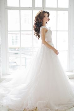 Classic A-Line Ball Gown | Warmphoto | Exquisite Bridal Styling for a Modern Glam Wedding Day