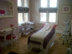 Kolaine's waxing room. http://relaxedandwaxed.com/