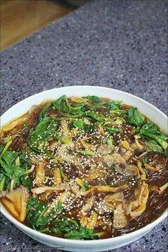 [물잡채] 맛있는 물잡채 만드는 법 – 레시피 | 다음 요리 Korean Dishes, Korean Food, Korean Recipes, A Food, Good Food, Food And Drink, Easy Cooking, Cooking Recipes, Light Recipes
