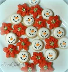 Makes a great stocking stuffer!!  These adorable MINI snowmen and poinsettia cookies would make a lovely gift, a nice accent to a holiday dessert