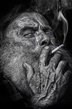 Time line Old Man Portrait, Old Portraits, Black And White Picture Wall, Black And White Pictures, Pencil Sketches Landscape, Old Man Face, Blood Art, Old Faces, Face Sketch
