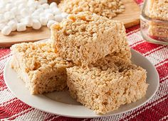 Rice crispy treats are one of the easiest desserts to make. Great rice crispy treats are prepared just like this one. Take a look at this incredibly simple recipe for the best rice crispy treats that you'll ever have. Rice Krispy Treats Recipe, Rice Crispy Treats, Krispie Treats, Eclair, Keks Dessert, Reis Krispies, Flavored Rice, Pie Flavors, Oreos