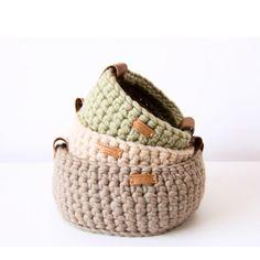 """129 Me gusta, 3 comentarios - Luxury handmade designs (@cosmencompany) en Instagram: """"Buenos días!! Esta noche llegan los Reyes Magos!! Qué nervios... #basket #handmade #crochet #wool…"""""""