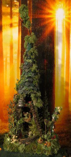 Fairy House - Fairy Tree House Woodland Miniature by WoodlandFairyVillage, Fairy Tree Houses, Fairy Village, Fairy Garden Houses, Fairy Land, Fairy Tales, Mini Fairy Garden, Dream Garden, Kobold, Woodland Fairy