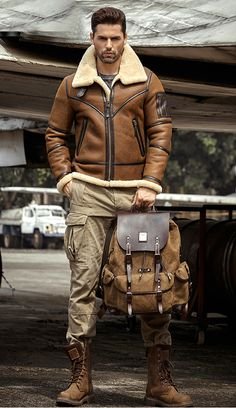 Stylish Mens Outfits, Casual Outfits, Men Casual, Mens Shearling Jacket, Leather Jacket, Mode Masculine, Leather Fashion, Mens Fashion, Estilo Rock