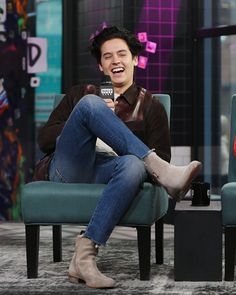 """Cole Sprouse visits Build to discuss """"Five Feet Apart"""" at Build. Cole M Sprouse, Cole Sprouse Jughead, Dylan Sprouse, Riverdale Memes, Riverdale Cast, Betty Cooper, Dylan E Cole, Cole Sprouse Aesthetic, Zack Y Cody"""