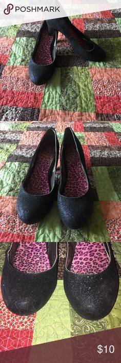 Black sparkle heels In good used condition, some minor scuffing, see pictures.  Comes with removable padded insert. Bought from dsw Mix No. 6 Shoes Heels