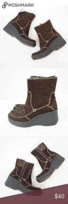 VTG 90s Bongo Ankle Platform Boots Suede Chunky VTG 90s Bongo Womens Ankle Platform Boots 7.5 Brown Leather Suede Chunky Wedge Description  Material: Leather upper Size: 7.5  Measurements (in inches):  Heel Height - 2.5  **All our products come from a clean and smoke-free household.** BONGO Shoes Ankle Boots & Booties