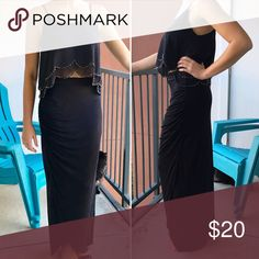 ❤️ Long bunched maxi skirt ❤️ The ONLY reason I'm getting rid of this skirt is because I got two for my bday. It is so cute and goes with anything! It has a slight V down the leg that you can see as you walk. Its bunched up toward the left hip and provides a super flattering fit for every body type. Top to bottom its 41.5in. I tend to wear it a little high wasted ❤️ thanks for shopping! Worthington Skirts Maxi
