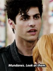 Shadowhunters // when ppl say they don't know what the mortal instruments is: