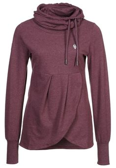 Cuter than the average sweatshirt! looks cozy..with a pair of leggings im thinking