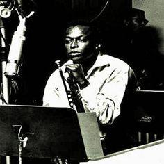 Found Move by Miles Davis with Shazam, have a listen: http://www.shazam.com/discover/track/10742494