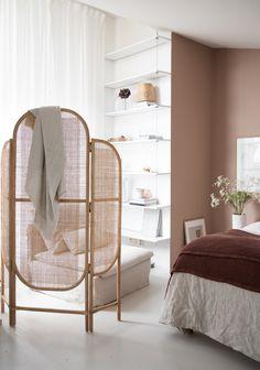 my scandinavian home: rattan room divider / screen in my open plan bedroom with pink-brown walls. Home Bedroom, Bedroom Wall, Bedroom Decor, Closet Bedroom, Wall Decor, Master Bedroom, Budget Bedroom, Dream Bedroom, Room Divider Screen
