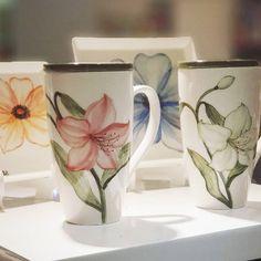 이미지: 실내 Ceramic Tableware, Ceramic Cups, China Clay, China Painting, Art Forms, Projects To Try, Pottery, Ceramics, Mugs