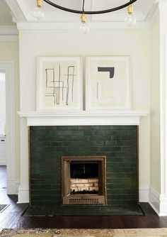Affordable Home Decor Ideas An Exclusive House Tour From (Design Girl Crush) Leanne Ford - Emily Henderson.Affordable Home Decor Ideas An Exclusive House Tour From (Design Girl Crush) Leanne Ford - Emily Henderson Craftsman Fireplace, Small Fireplace, Fireplace Surrounds, Fireplace Design, Fireplace Mantel, Tiled Fireplace, Fireplaces, Fireplace Tile Surround, Christmas Fireplace