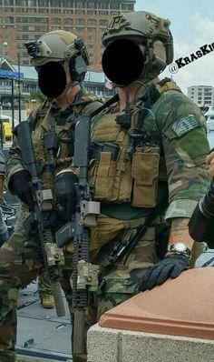 Thales pouch on MR Military Gear, Military Police, Usmc, Special Forces Gear, Military Special Forces, Marsoc Marines, Us Marines, Air Force Special Operations, Marine Raiders