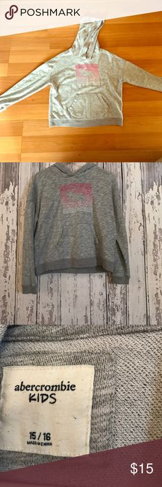 Long sleeve grey sweater. Abercrombie kids Size 15/16 KIDS. Good condition, rarely worn abercrombie kids Sweaters