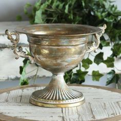 Old Gold Metal Urn Wedding Centrepiece (33cm) Vase Centerpieces, Wedding Table Centerpieces, Wedding Decorations For Sale, Guest Book Table, Winter Table, Flower Bowl, Metal Flowers, Wedding Stationary, Urn