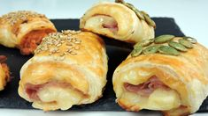 Deli Food, A Food, Food And Drink, Vol Au Vent, Tapas Bar, Snack Recipes, Snacks, Pizza, Empanadas