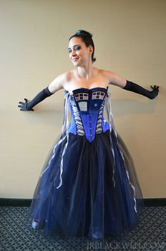 THE Tardis Corset.for all your formal Geek events Tardis Cosplay, Doctor Who Cosplay, Doctor Who Tardis, Strapless Dress Formal, Formal Dresses, Horror Show, Corset, Wicked, Fashion Show