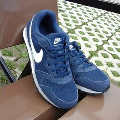 582972b7366c ... Discount Official New Nike MD Runner 2  Midnight Navy ...