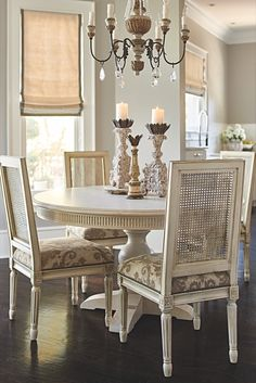 Some dining rooms cry out for centerpiece furnishings like the round Frederick Pedestal Dining Table. French Dining Chairs, French Country Dining Room, Classic Dining Room, Modern Dining Room Tables, Dining Table Chairs, Dining Room Furniture, Side Chairs, Furniture Design, Dining Room Centerpiece