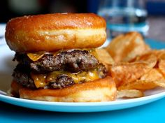 FOODBEAST is your online food haven. Find the best new stories, recipes and food culture. Delicious Donuts, Yummy Food, Doughnut Burger, Recipes From Heaven, Food Photo, Love Food, Food And Drink, Tasty, Favorite Recipes