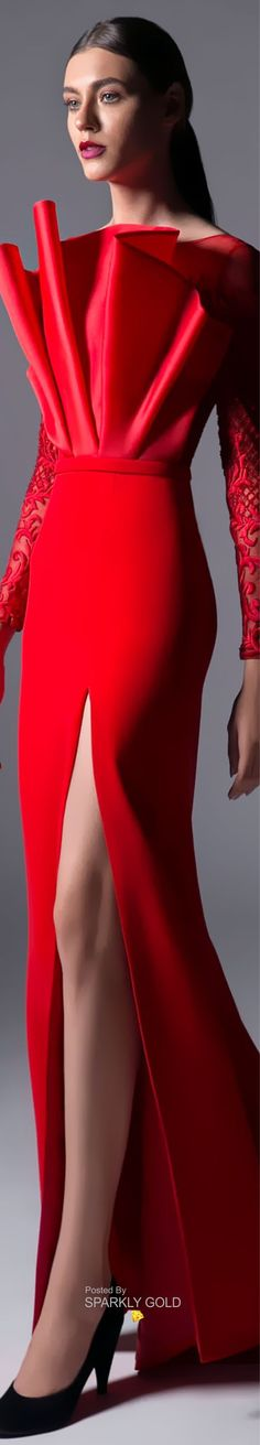 Edward Arsouni Spring 2019 RTW #EdwardArsouni #Runway2019 #SparklyGold #Runway #Couture Red Fashion, Fashion 2018, Women's Dresses, Accessorize Fashion, Fiery Red, Couture Details, Lady In Red, Catwalk, Red And White