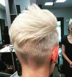 Woman's Short Blonde Undercut