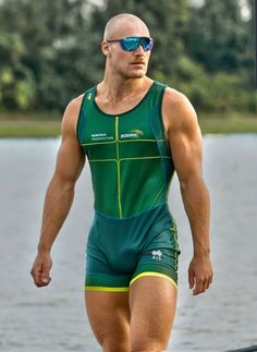 lycra spandex sportwear bulges and anything that turns me on. Men In Tight Pants, Lycra Men, Biker, Body Building Men, Athletic Men, Sport Man, Good Looking Men, Muscle Men, Perfect Man