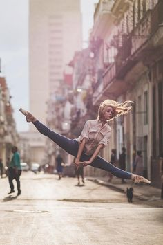 Pin for Later: 23 Breathtaking Shots of Ballerinas Against City Backdrops