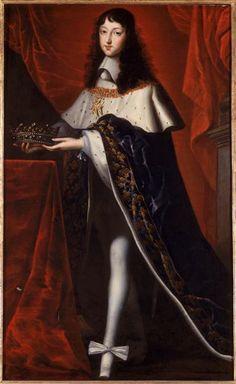 Philippe de France (1640-1701),duc d'Orléans.Âgé de 14 ans,revêtu du costume qu'il portait au sacre de son frère, et tenant la couronne des fils de France. Anonyme français.17e s.huile sur toile. 1.62 x 1 m.Versailles,châteaux de Versailles et de Trianon.