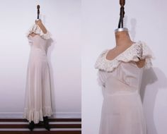 1970s lace off white slip / Vintage 70s Shadowline by Ainshent, $45.00