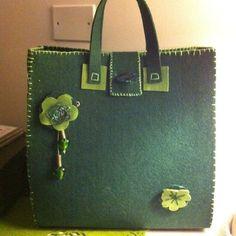 borsa in feltro verde di lemagichecheledierika su DaWanda.com