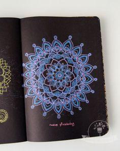 Nueve Pinceladas: Mandalas y yo… o yo y los mandalas, ¿porqué pinto mandalas?