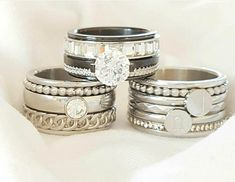 Love this picture made by Pretty Rings, Beautiful Rings, Jewelry Closet, Romancing The Stone, Piercings, Diamond Are A Girls Best Friend, Diamond Rings, Napkin Rings, Wedding Rings