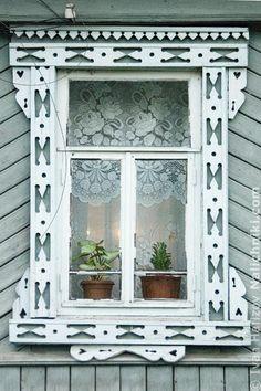 Carved wooden window trim (Nalichnik) from Navashino #30