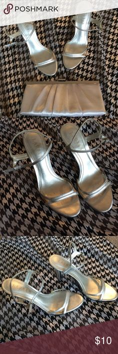 Ralph Lauren Silver High Heels Sandals Pre-Loved Ralph Lauren Silver High Heels Sandals size 6. This is a Pre-Loved Item with signs of wear such as scratches, glue on the inner sole stains, among others to normal use. I have posted pictures of the Actual condition of this item. Lauren Ralph Lauren Shoes Sandals
