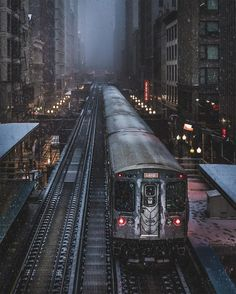 Chicago photographer Mike Meyers shot some amazing views of the windy city this winter, capturing unusual ice patterns on Lake Michigan, trains blasting through snow, skyscrapers swallowed by cloud… Cityscape Photography, Chicago Photography, Urban Photography, Street Photography, Travel Photography, Graffiti Photography, Photography Tips, Landscape Photography, Portrait Photography
