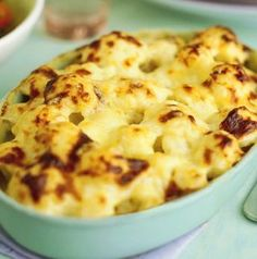 This easy cauliflower cheese recipe works well as a side dish or a comforting vegetarian dinner. Find lots of easy vegetarian recipes at Tesco Real Food. Cauliflower Gratin, Creamy Cauliflower, Cauliflower Cheese, Vegetarian Roast, Vegetarian Recipes Easy, Cooking Recipes, Tesco Real Food, Romanian Food, Food Words