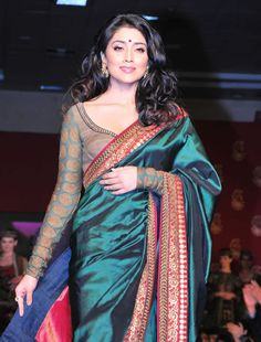 Long sleeves saree blouse! gorgeous!