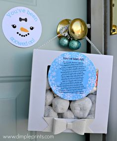 Happy Holidays: Neighbor Gift Idea - You've Been Snowed On!! Fun and easy idea to spread some holiday cheer across your neighborhood!